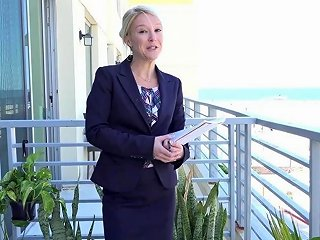 Propertysex Southern Milf Real Estate Agent Gets