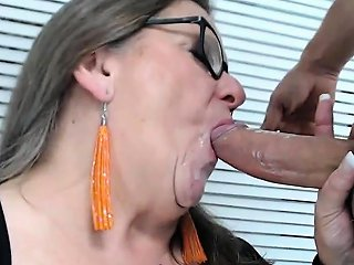 Mature Bbw Gives Dude Blowjob Nuvid